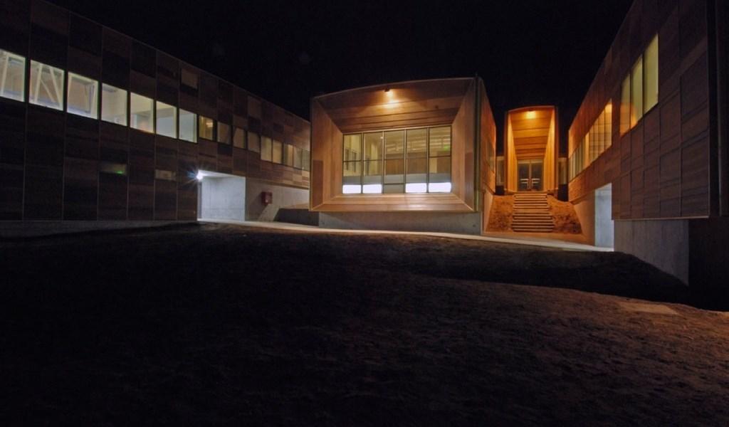 Centro de investigaciones Marinas permanit madera fachada